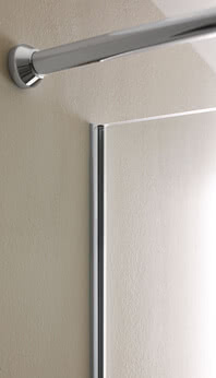Fortuna shower with flush-mounted profile and stabilizing bar on the wall side in Renovation Deluxe Style