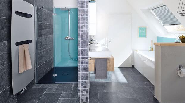Dusche Fortuna im modernen Bad als Nischenvariante