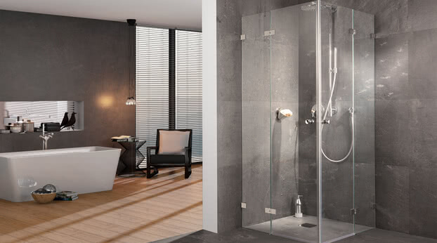 Fortuna shower, frameless with corner access