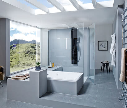 Omega shower with bathtub connection, door open