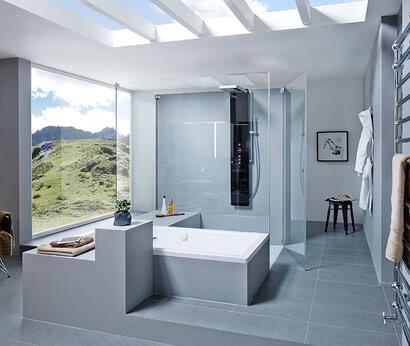 Dusche Omega mit Badewannenanschluss, Türe geöffnet