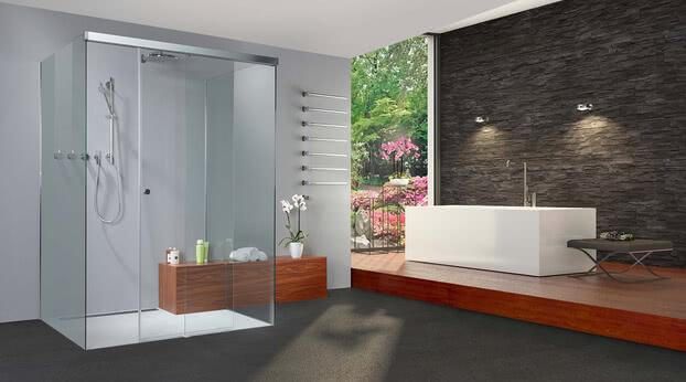 Dusche Tansa mit geöffneter Tür