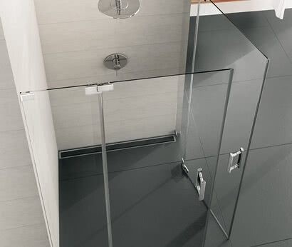 Achat R Plus shower corner access