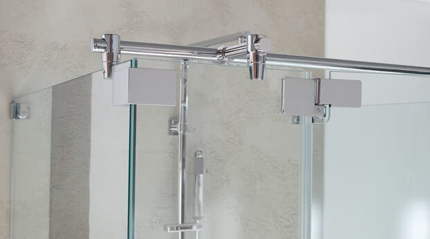 Achat R Plus shower fittings and stabilizing bar