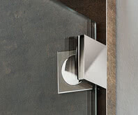Inloop glass–wall hinge from exterior
