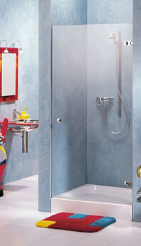 Beryll shower, niche model with closed door