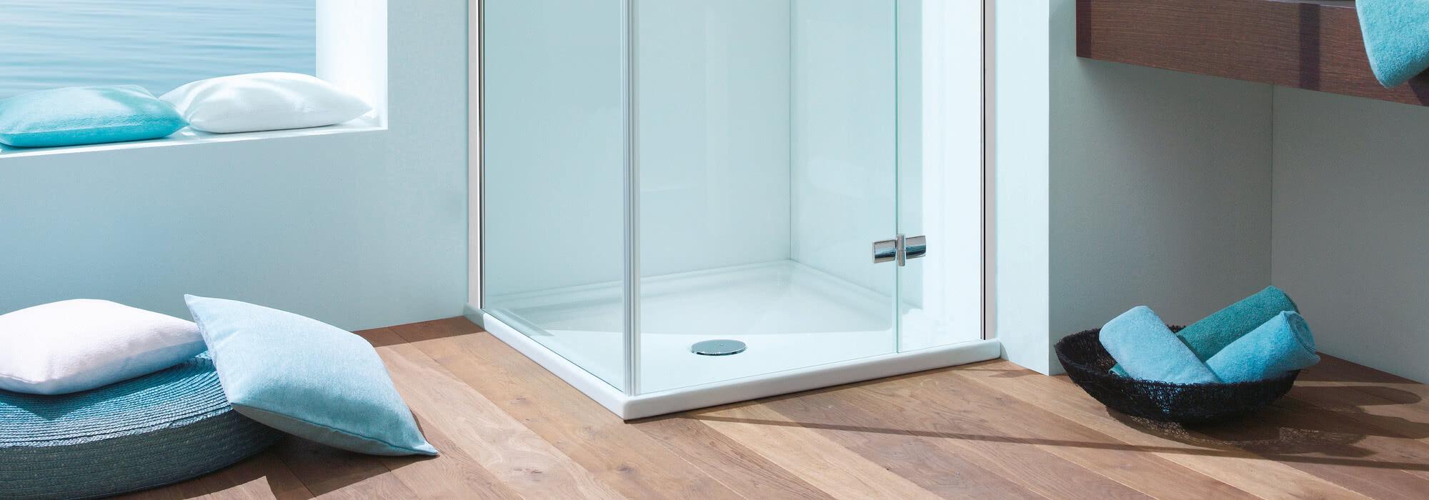 BS-Dusche mit Eckeinstieg