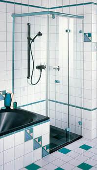 Dusche Onyx als Seiteneinstieg und mit Badewannenanschluss