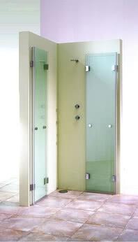 XXL Dusche Eckeinstieg zweiteilige Tür komplett geöffnet