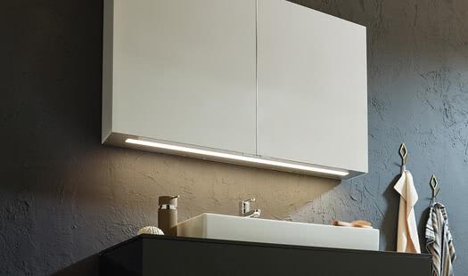 SPRINZ ModernLine Aufputz AluGlanz weiss Waschtischbeleuchtung print WEB.jpg