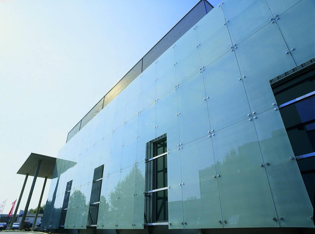 SPRINZ Architektur Glasfassade punktgelagert web.jpg