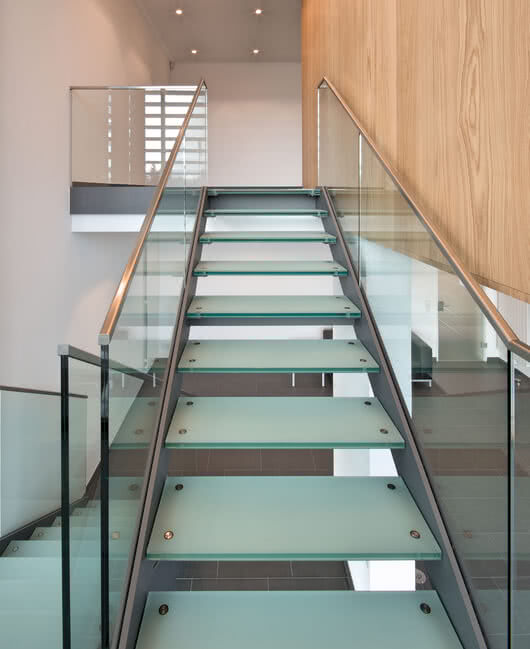 High-quality glass stairways by Sprinz