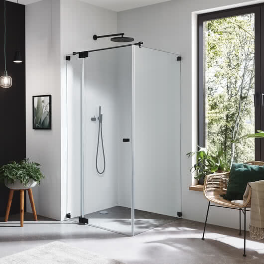 Omega Black Edition shower with black hinges