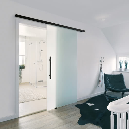Motion 1300 – Sliding door with black fittings