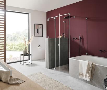 Omega glass shower by SPRINZ with bathtub