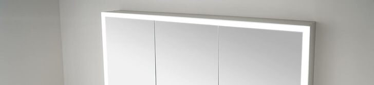 Elegant-Line 2.0 mirror cabinet with LED light strip switched on