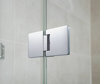 Fitting of the Granat glass shower from the outside, closed